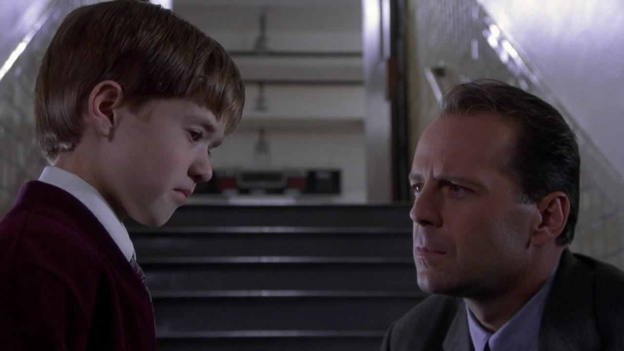 The Sixth Sense Hanging Ghosts Did you see it