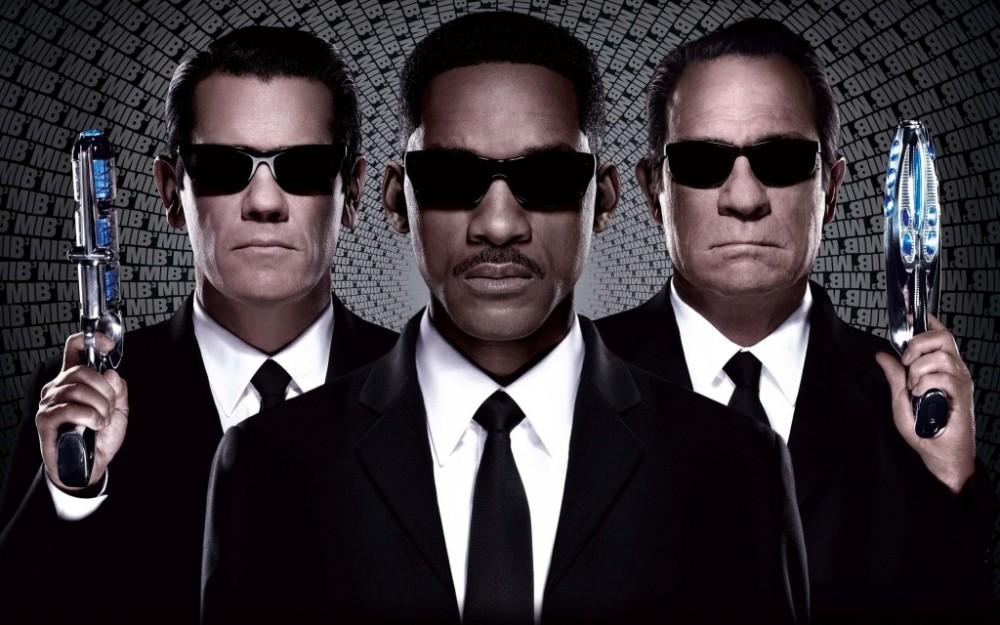 men-in-black-3-movie-poster-1024x640