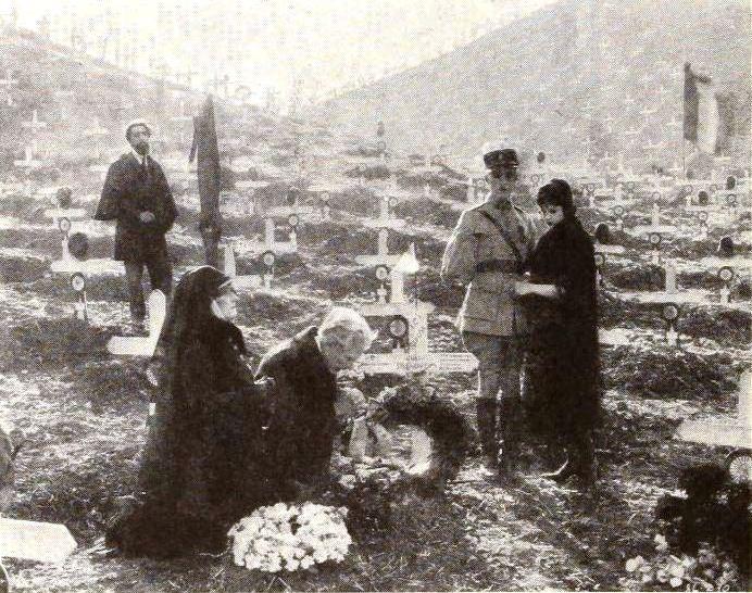 The_Four_Horsemen_of_the_Apocalypse_(1921)_-_Graveyard