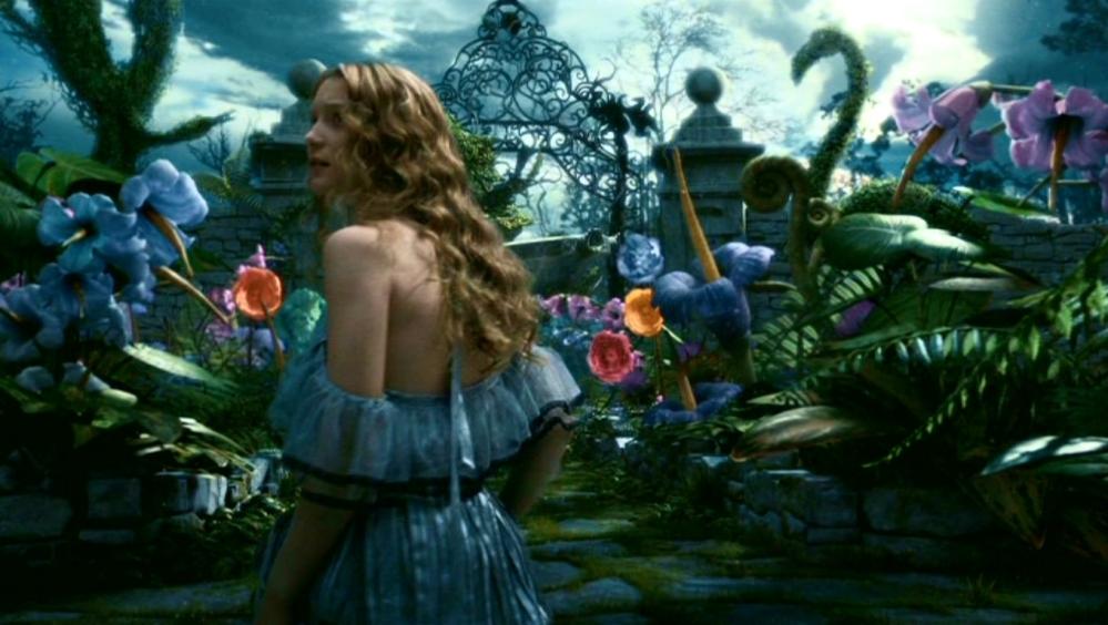 Tim-Burton-s-Alice-In-Wonderland-alice-in-wonderland-2010-13677667-1360-768