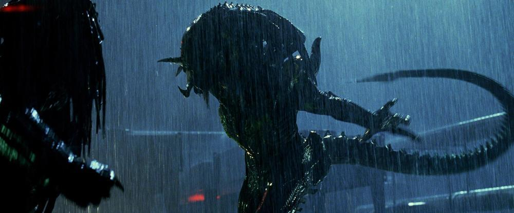 avpr-_aliens_vs_predator_-_requiem_2007_8