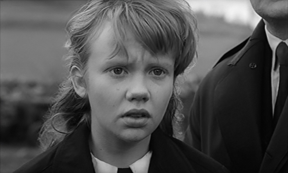 whistle-down-the-wind-alan-bates-hayley-mills-1961-9