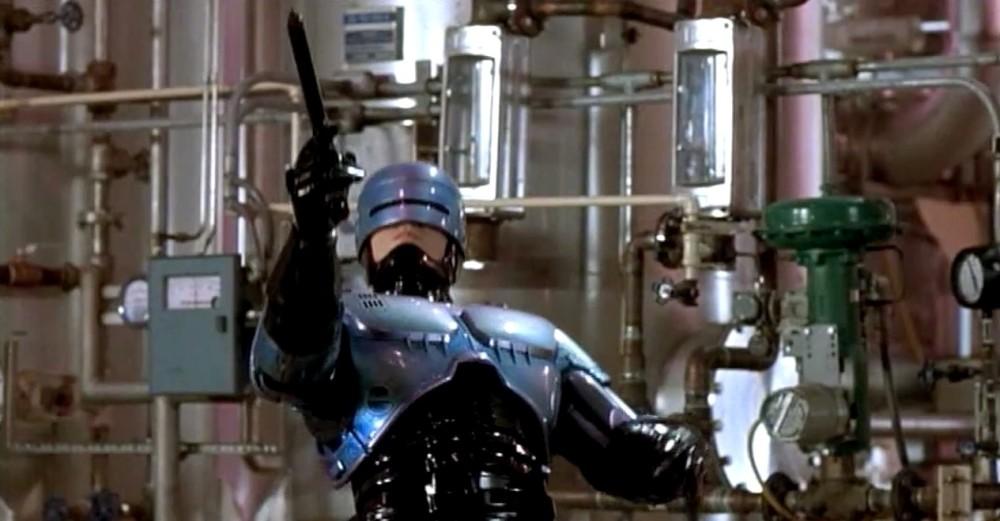 peter-weller-as-robocop-in-robocop-2-1990