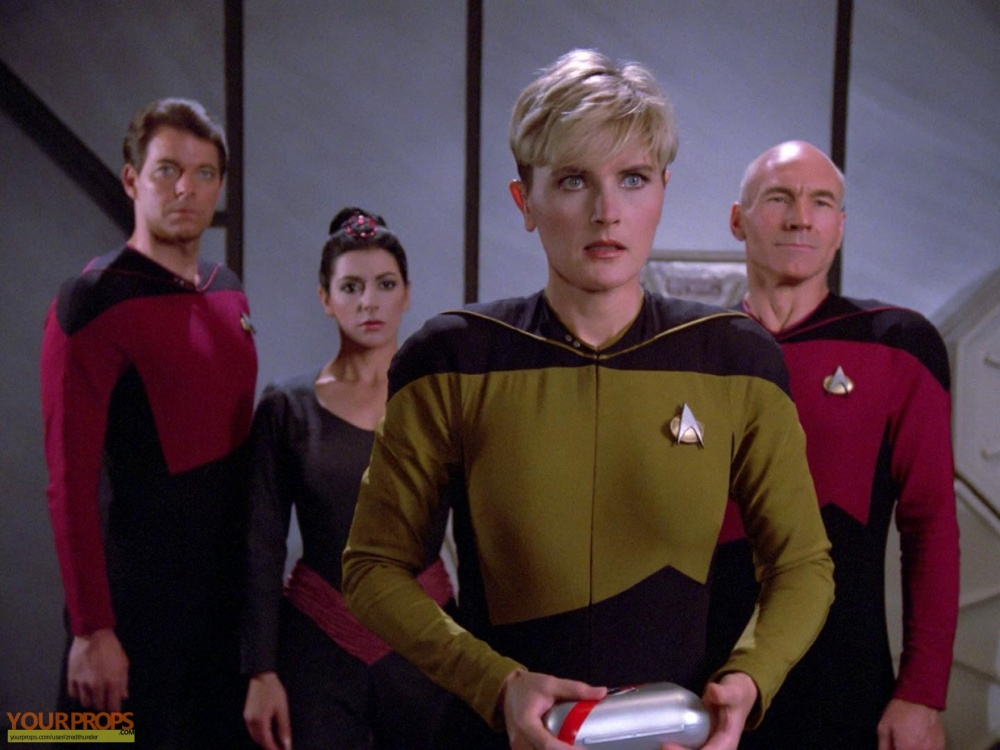 Star-Trek-The-Next-Generation--Code-Of-Honor-Vaccine-Box-4