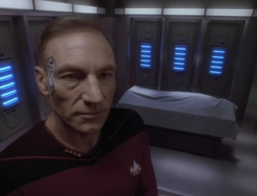 Picard-Jack_Crusher_corpse