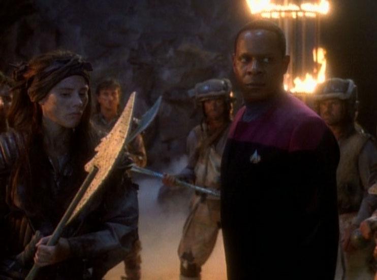 Sisko_with_Ennis_and_Nol-Ennis