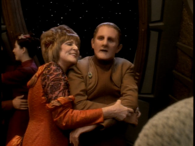 Lwaxana_odo_dance_fascination