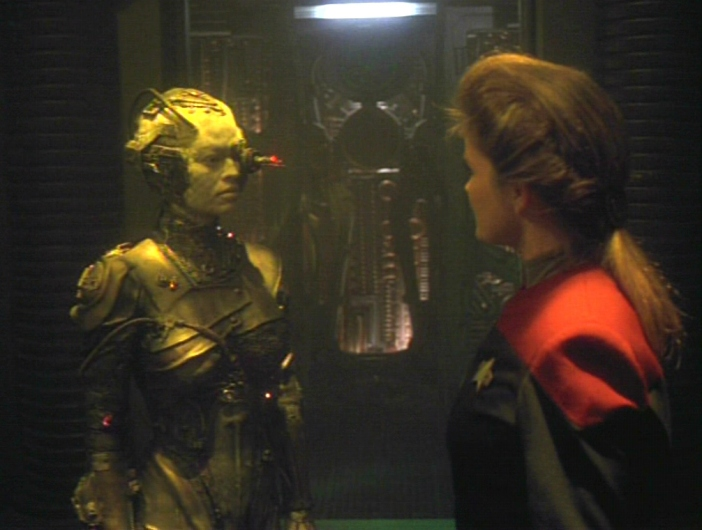 Star-Trek-Voyager-Scorpion-Part-2-jeri-ryan-23485785-702-530
