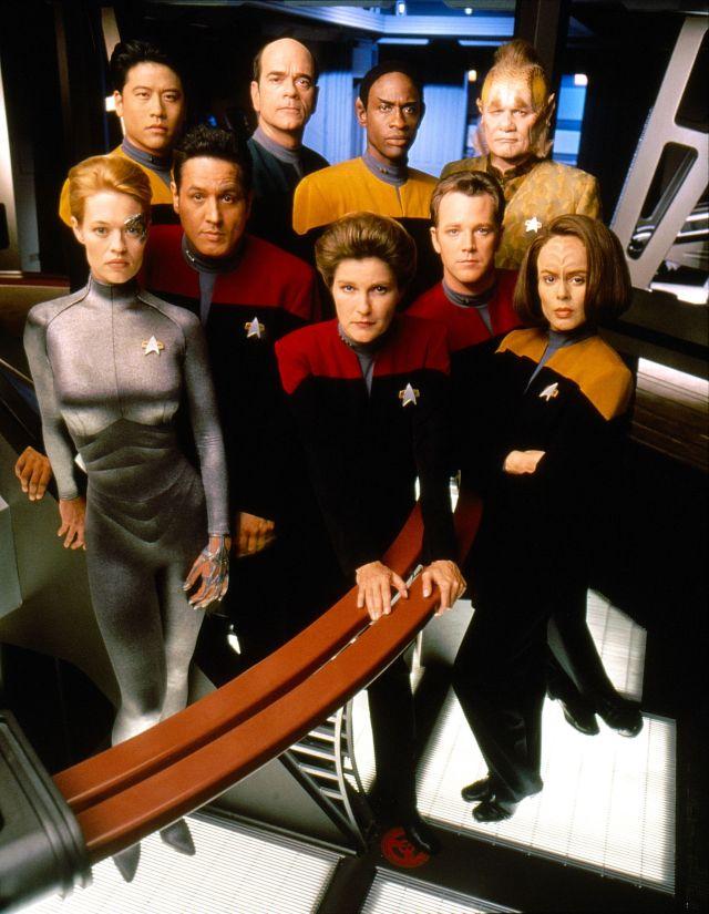 Star Trek: Voyager (1999) – 11:59, and Relativity