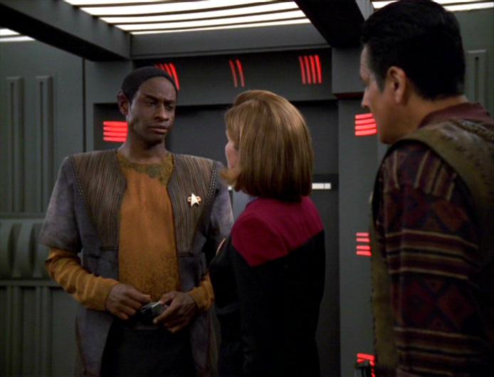 Janeway_Chakotay_Tuvok_Repression
