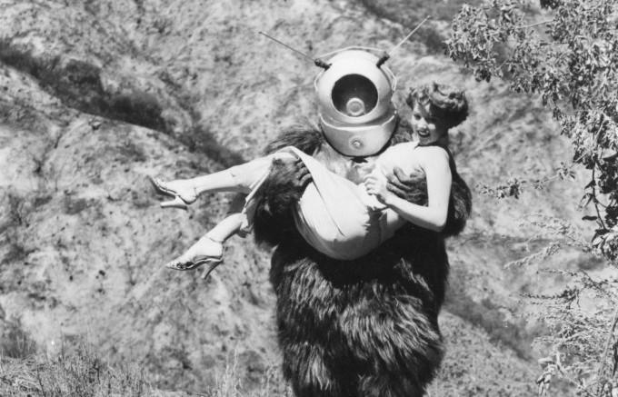 1953-robot-monster-001-claudia-barrett-george-barrows-e1450399699174