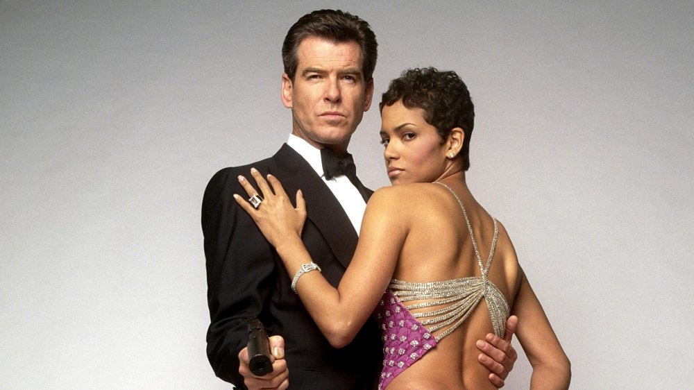 Die-Another-Day-James-Bond-Pierce-Brosnan-Halle-Berry